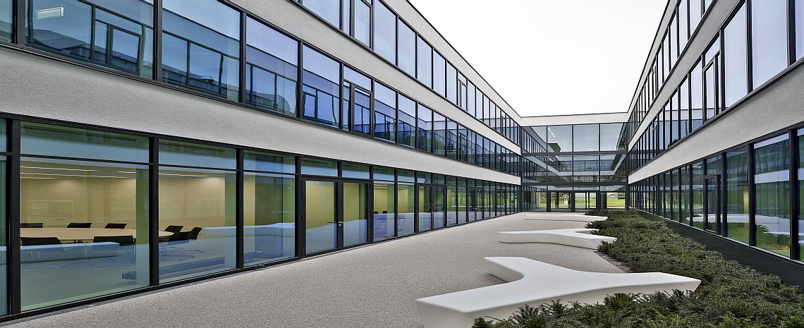 Fassade glas  Fassaden - Ideen aus Holz, Glas und Metall - Aug. Guttendörfer ...